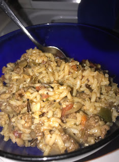 Dirty Rice - Step by step recipe to create this spicy comfort food that will stick your bones on those cold days!