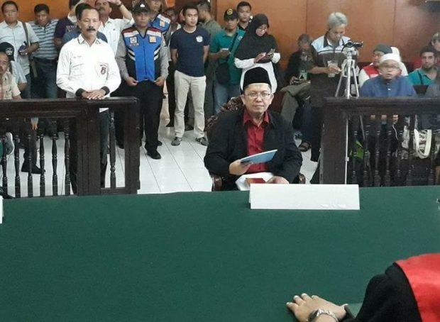 Astaghfirullah, Ustadz Alfian Tanjung Dijatuhi Hukuman 2 Tahun Penjara