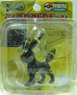 Umbreon Pokemon figure Tomy Monster Collection yellow package series