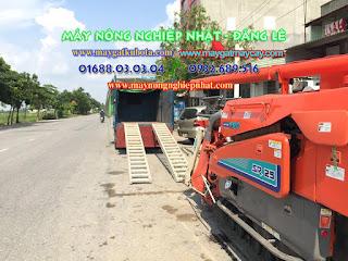 Máy gặt tăng đơ nhật bãi kubota SR 25 như mới đi thành phố Cao Bằng cho khách hàng