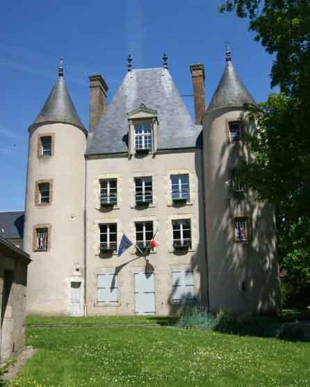 Le château de Loury.