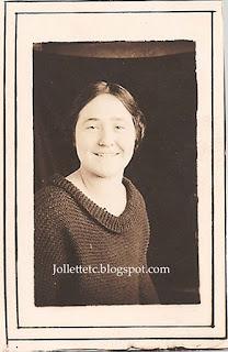 Violetta Davis  https://jollettetc.blogspot.com