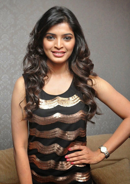 Honey Glitz: Sanchita Shetty Hot Images at Essensuals ...