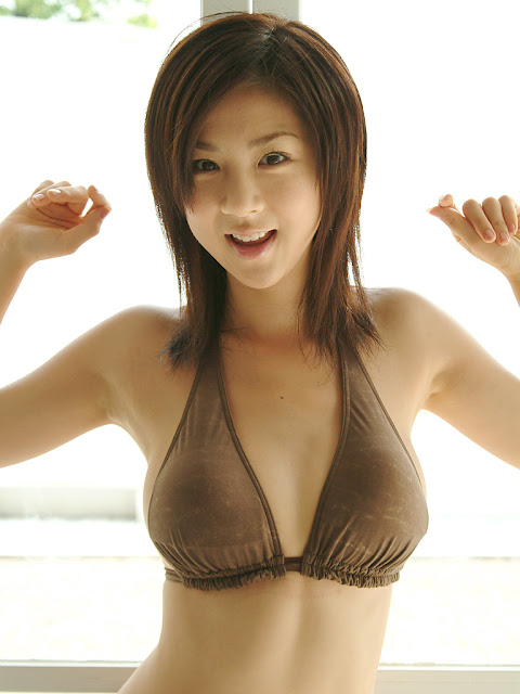 happy-asian-model-image