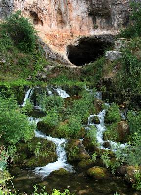 Cueva del Agua. Orbaneja del Castillo