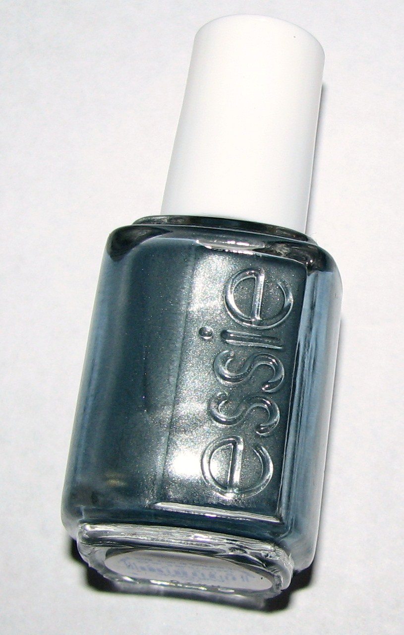 essie fair game nail polish swatches review blushing noir. Black Bedroom Furniture Sets. Home Design Ideas