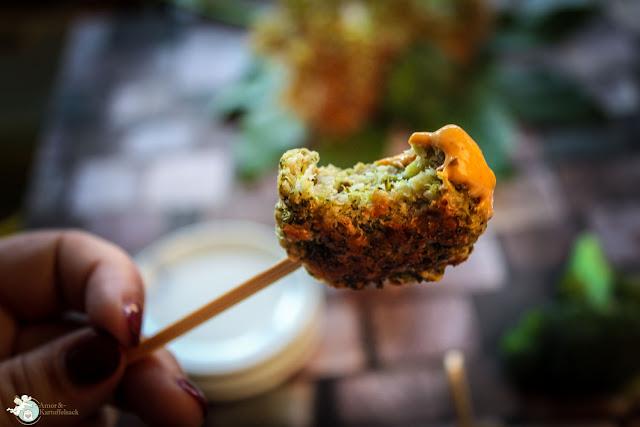 vegetarische Brokkolipflanzerl mit Käse