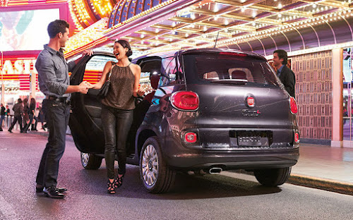Fiat 500L on the town