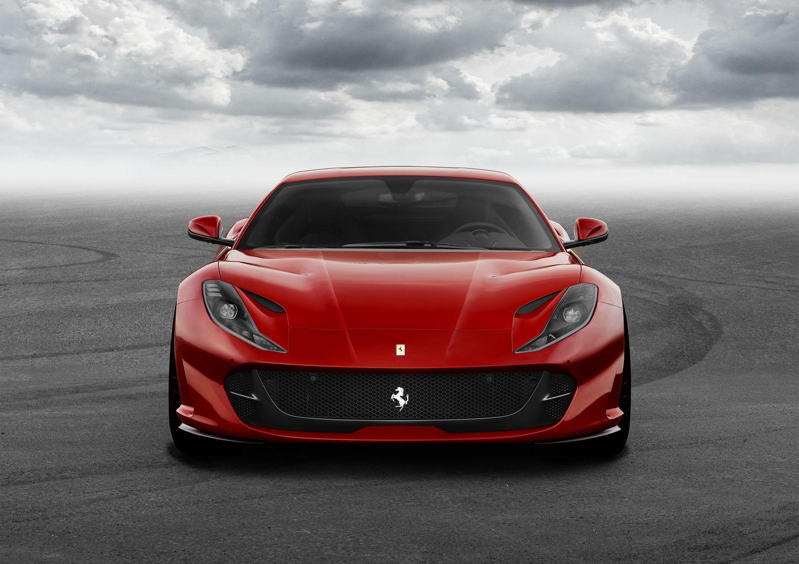 [Imagen: Ferrari%2B812%2BSuperfast%2B-5.jpg]