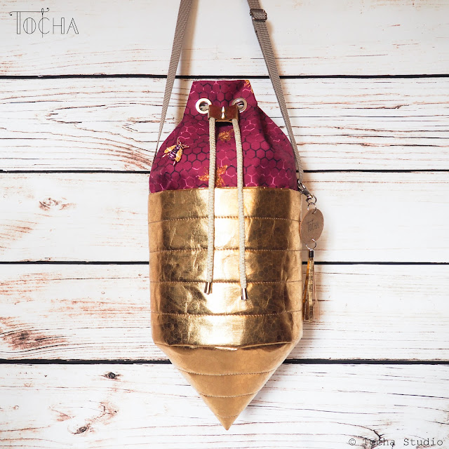 beehive, bee, bees, bag, bucket bag, Washpapa, washable paper, snappap, drawstring bag, top-stitch, golden, save the bees, ethical fashion, bucket bag, cone, honeycomb