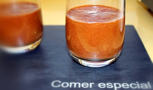 http://www.comerespecial.com/2014/06/facil-mousse-de-chocolate-negro-sin.html