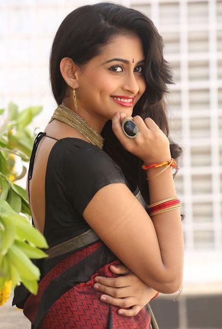 Telugu Actress Nithya Naresh Red Black Saree Hd Photos