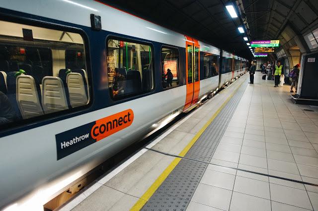 ヒースロー・セントラル駅(Heathrow Central /Terminals 2 & 3)