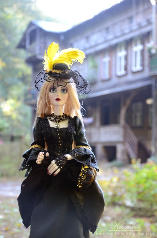 Black and gold victorian dress