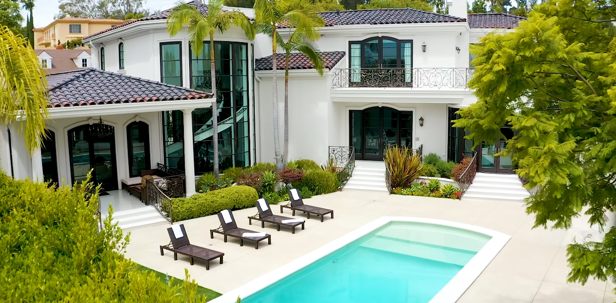 27 Interior Design Photos vs. Tour 1124 Marilyn Dr, Beverly Hills, CA
