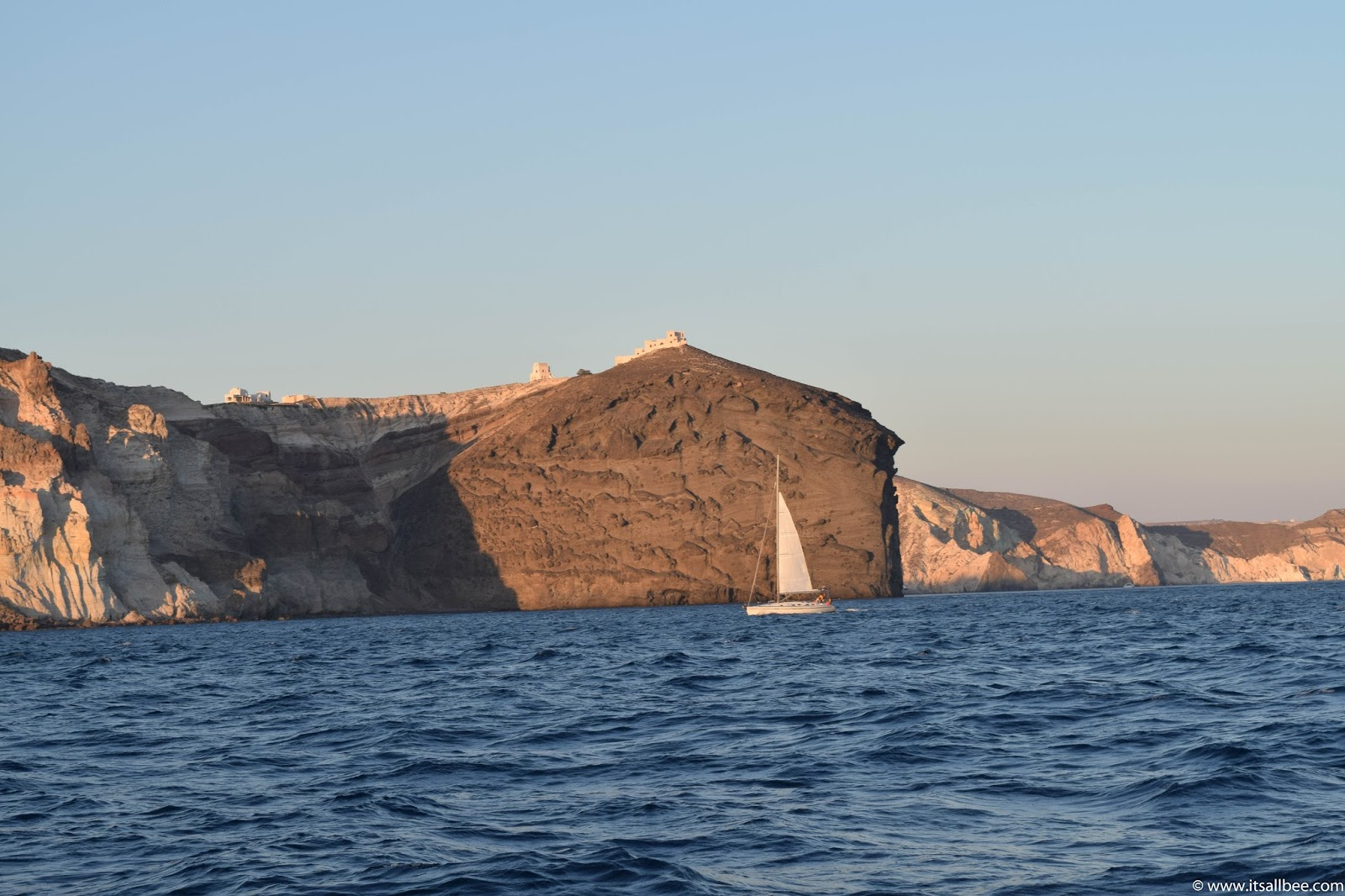 how to get around on santorini