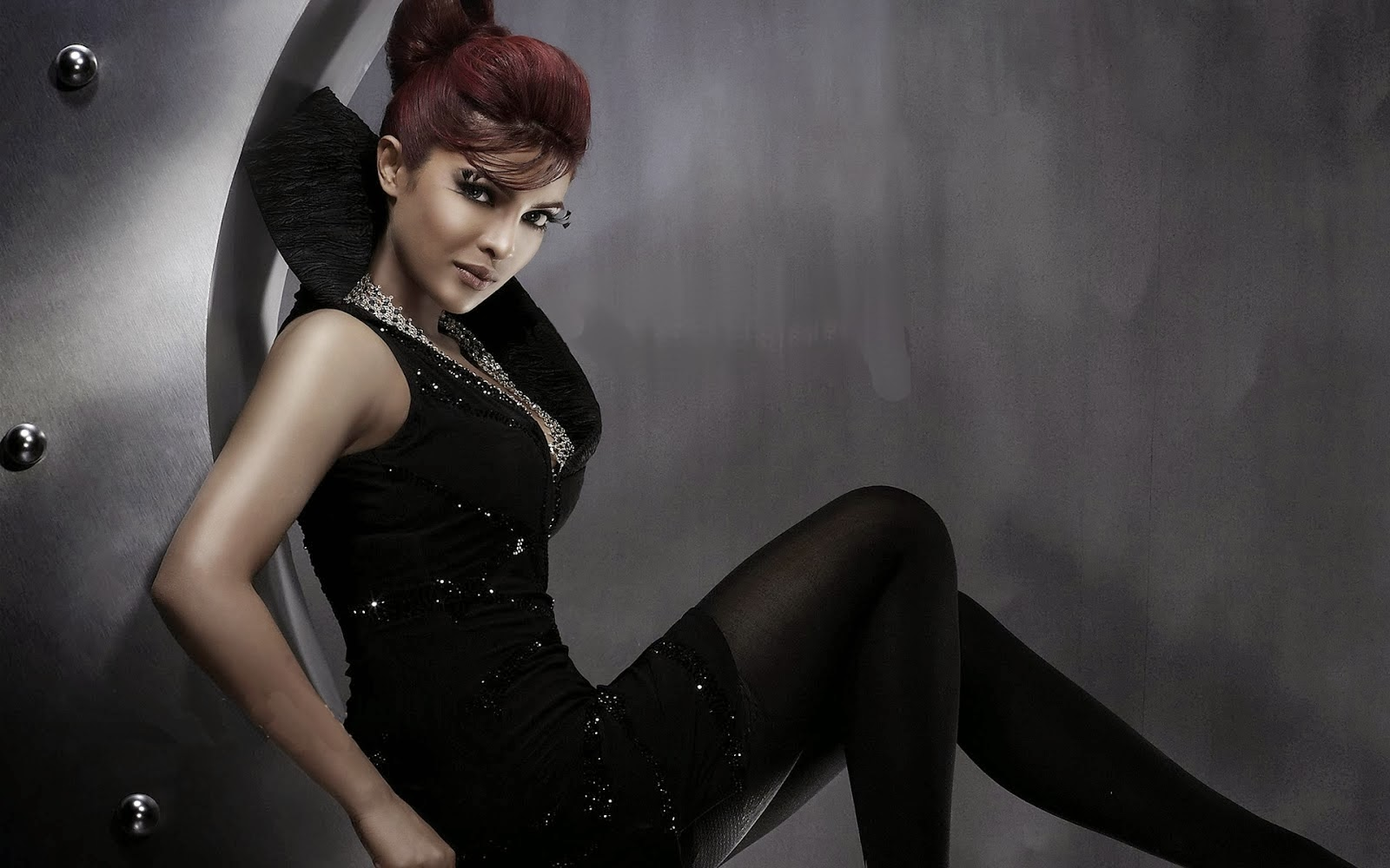 Priyanka chopra hot sexy wallpaper