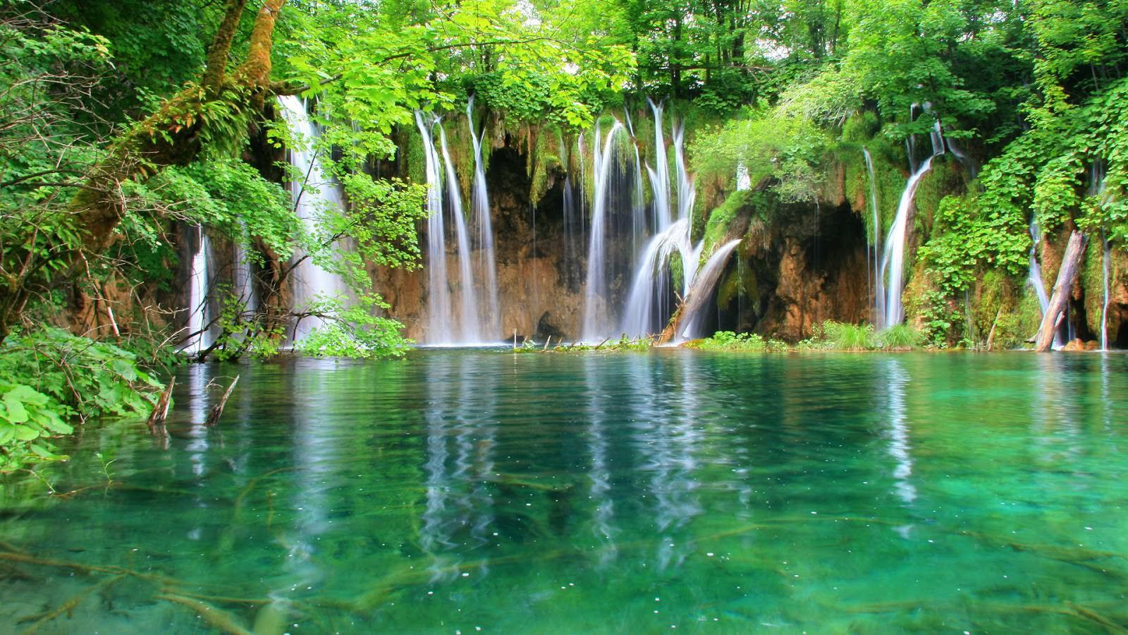 hình nền thác nước đẹp trong xanh
