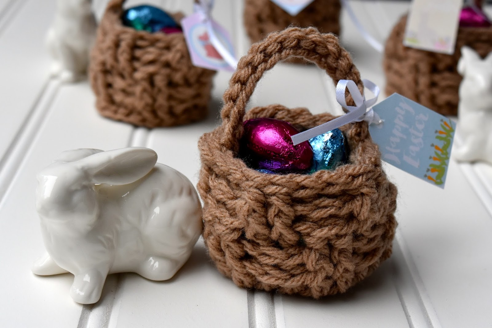 Just be happy mini easter baskets free crochet pattern we love holidays at our house we love to decorate to celebrate and to give gifts however gift giving can turn out expensive so i try to be creative negle