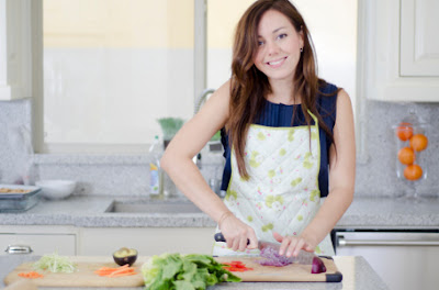 10 Alasan Mengapa Wanita Hobi Memasak Harus Kamu Dapatkan