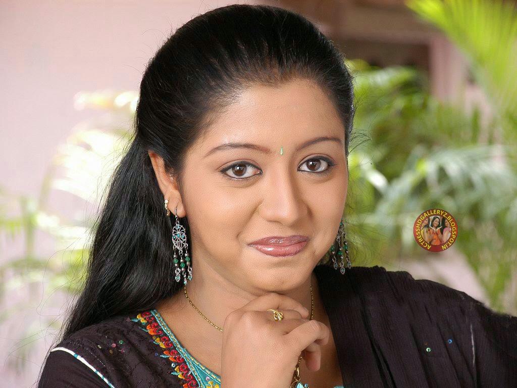 Maalu actress