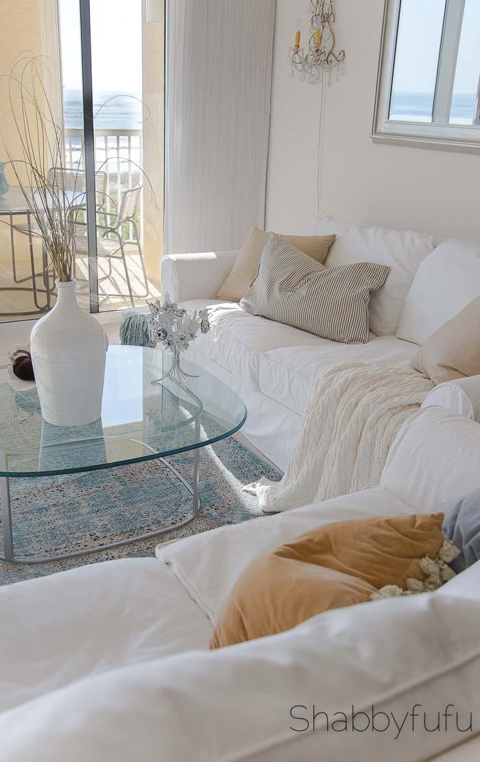 white-beach-home-livingroom