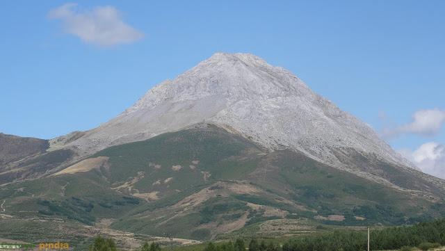 Vistas al Pico Espigüete desde su cara Oeste