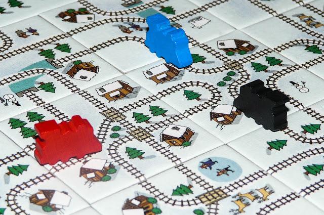 ciekawe planszówki dla 7-latka, gra jedzie pociąg z daleka, gry kafelkowe dla dzieci, gry planszowe dla dzieci szkolnych