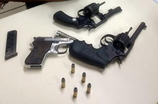 http://vnoticia.com.br/noticia/3732-dois-presos-e-uma-adolescente-apreendida-com-armas-na-localidade-de-esquina
