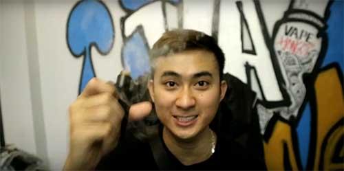 Thanh niên từ Hà Nội hút shisha điện tử