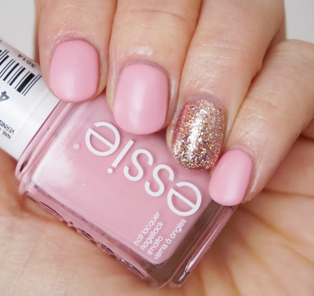 Essie - Flawless (Retro Revival Collection 2017), mat, mattiert, Nails, Nagellack, rosa, rosegold, ILNP - Juliette