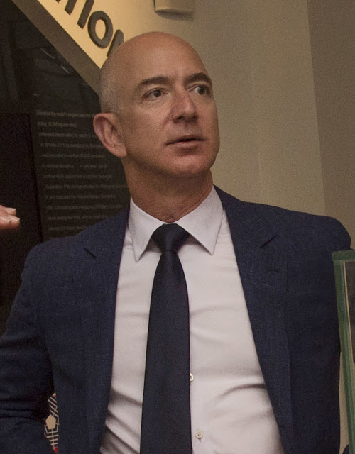 AMAZON FOUNDER | JEFF BEZOS