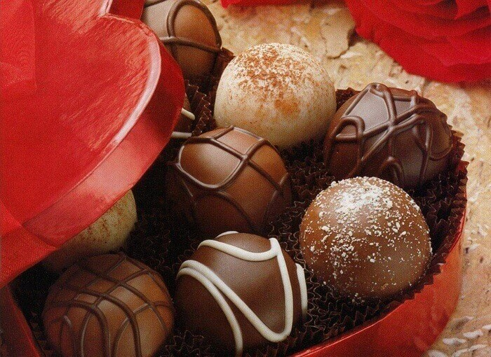 Happy Chocolate Day Images and Wallpaper