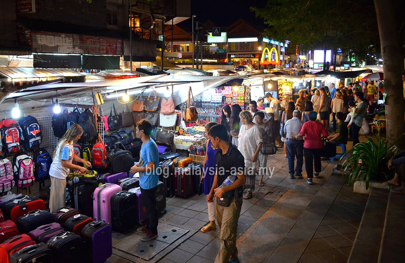 Night Bazaar along Chan Klan Road in Chiang Mai