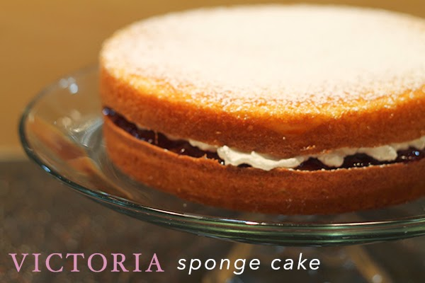 A Style Caddy // Victoria Sponge Cake