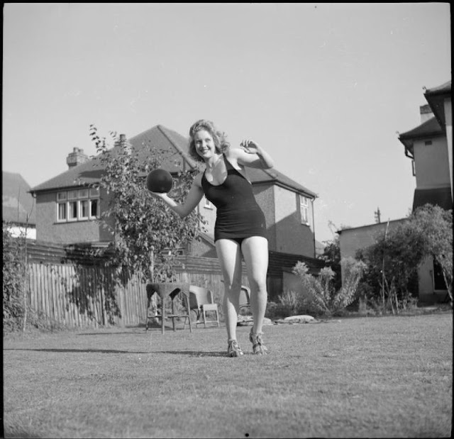 A Day In The Life - Holidays At Home during WWII Peggy Franks 'The Blonde Bombshell' & Pinkie Barnes 'The Black Beauty'