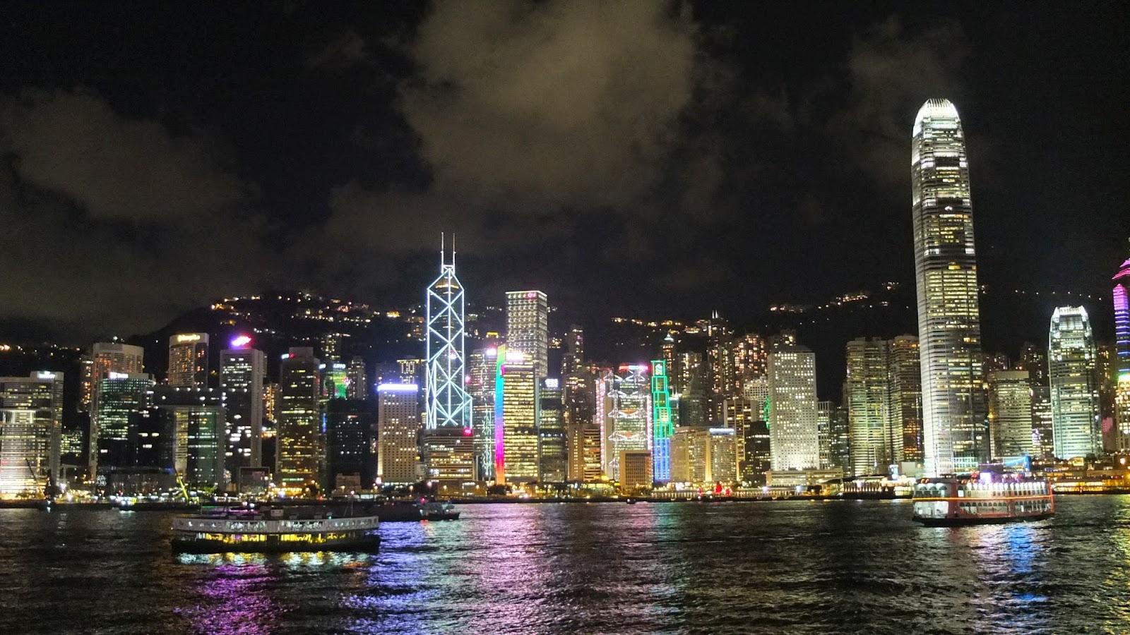 竹仔的天馬行空旅程|旅遊部落格: 維多利亞港的百萬夜景:璀璨奪目的東方之珠