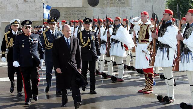 Πανελληνια συγκίνηση για το θάνατο του Κωστή Στεφανόπουλου