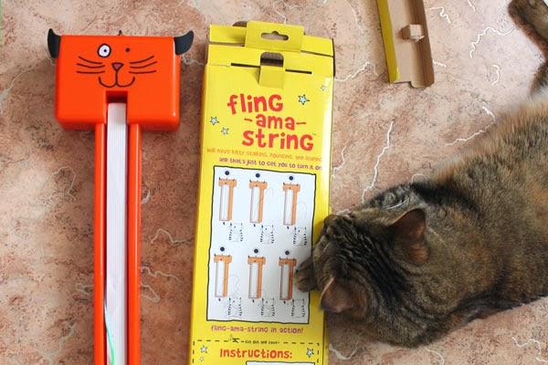 игрушка для кошек Fling-ama-String