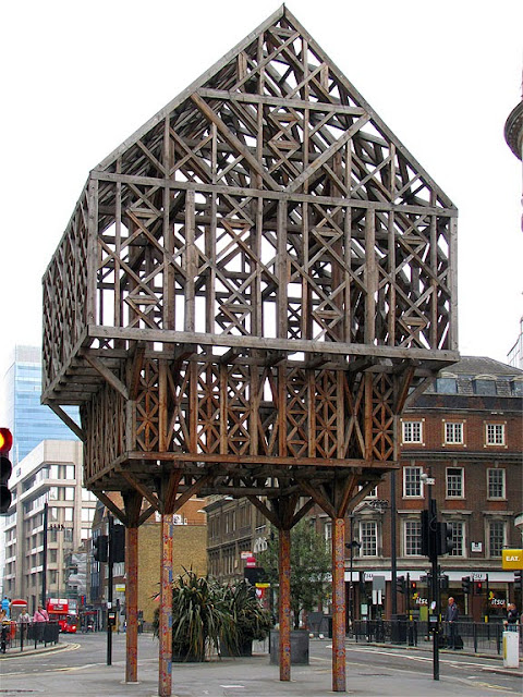 Paleys upon Pilers by Studio Weave, Aldgate, London