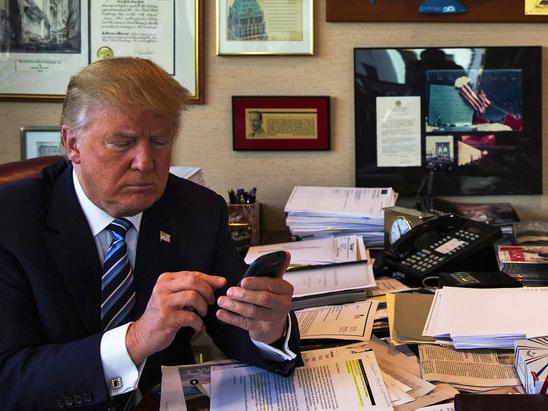 Image result for trump telefon