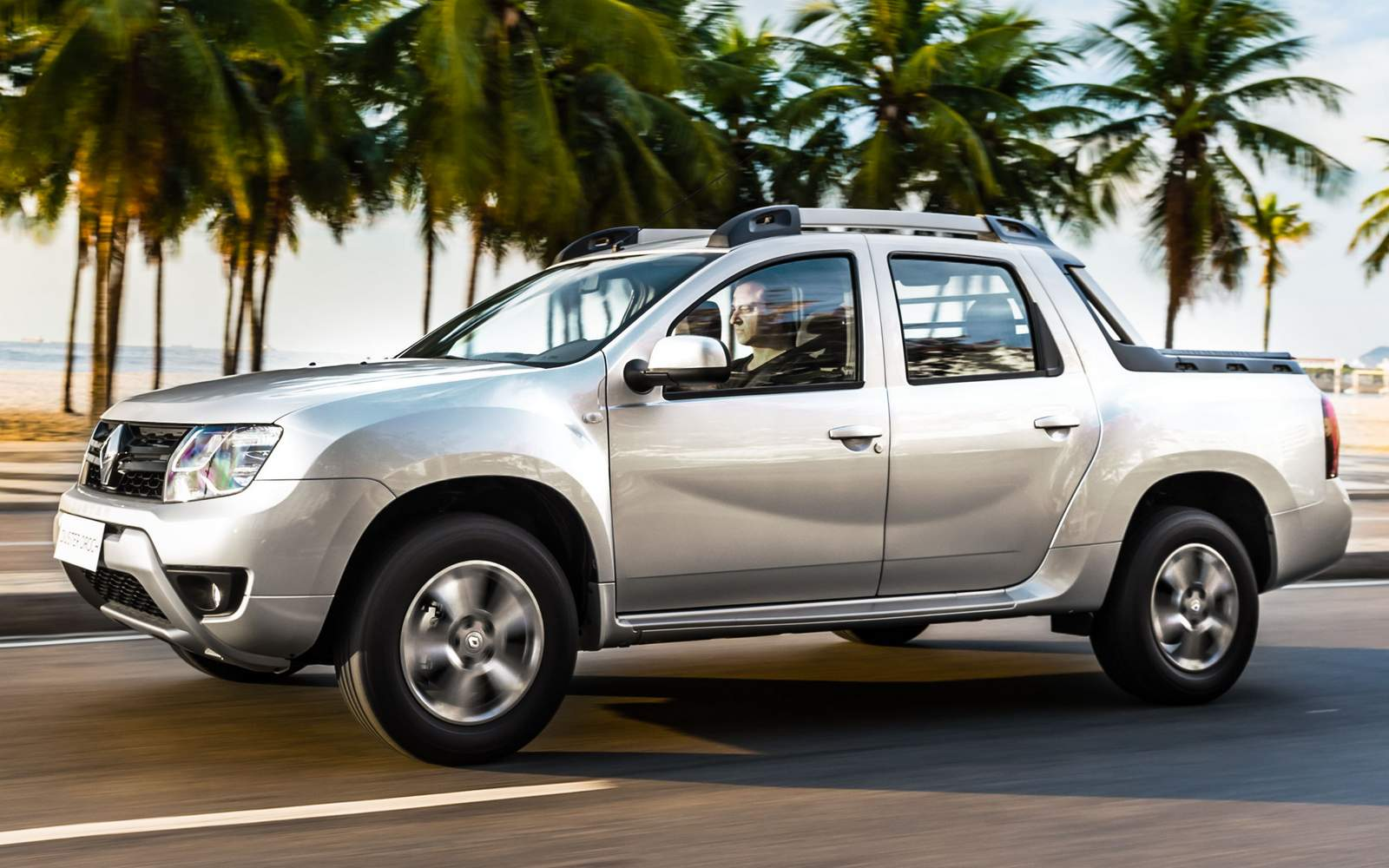 Renault Oroch x Fiat Toro