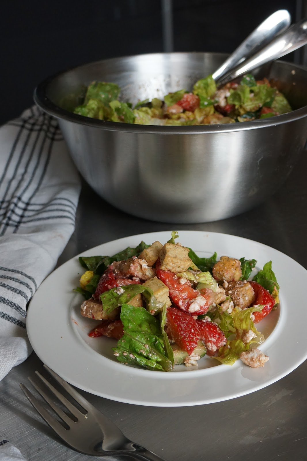 A wonderful strawberry and feta cheese summer salad - best tips on how to make a perfect sweet and savoury salad.