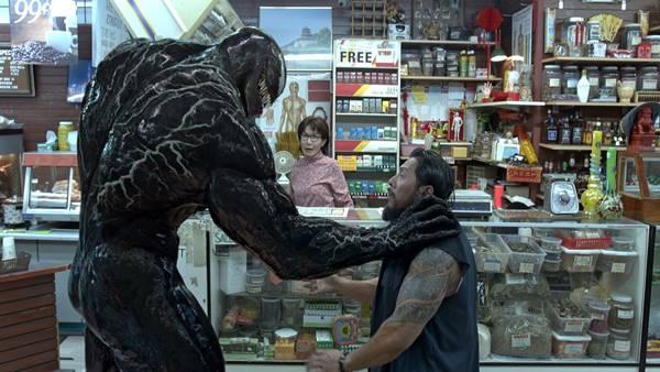 Ulasan Review Film Venom (2018) dan Fakta di Baliknya