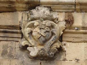 iglesia ,San Bartolomé, plaza ,Beceite ,Beseit, relieve, escudo