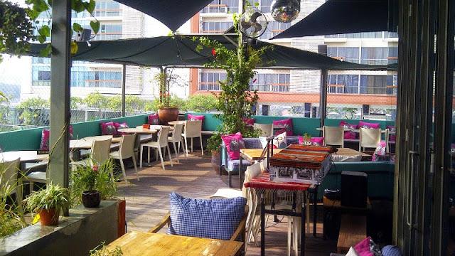 pizza italia marzano, pizza marzano kemang, favehotel kemang, lobbyn sky terrace, kemang, www.indahprimadona.com