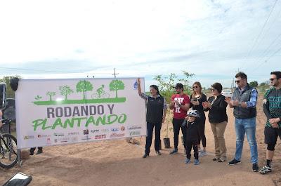 """Apoya gobierno municipal al programa del Distrito de Riego """"Rodando y Plantando"""""""
