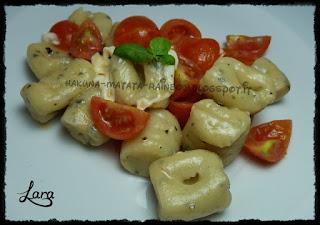 http://cucinaconlara.blogspot.it/2015/12/gnocchi-di-patate-al-basilico-con.html