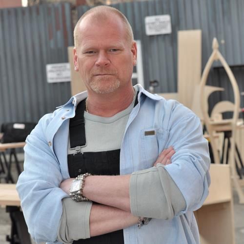 Is mike holmes from hgtv gay