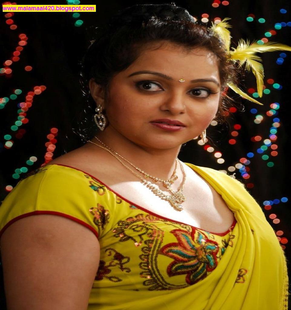 Tamil Hotness Mallu Aunties Hot Photos Gallery
